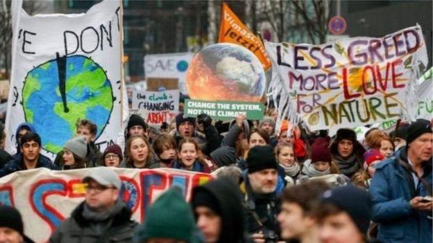 Berlin'de iklim değişikliğine karşı öğrenci eylemi