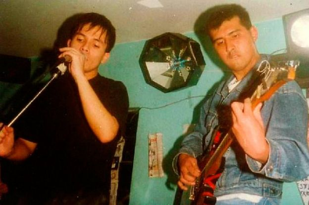 La banda peruana Dictadura de Conciencia. Martín Roldán a la derecha, con la guitarra. (Foto: cortesía de Martín Roldán)