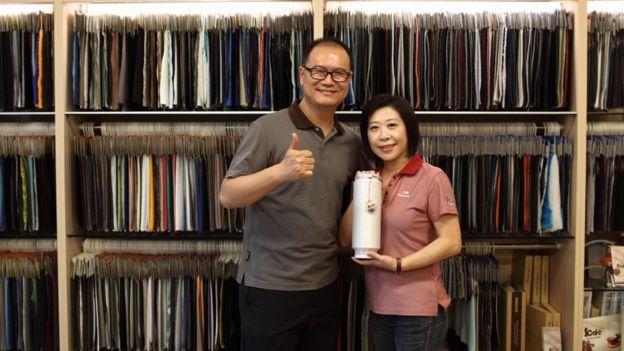 Jason Chen y su esposa