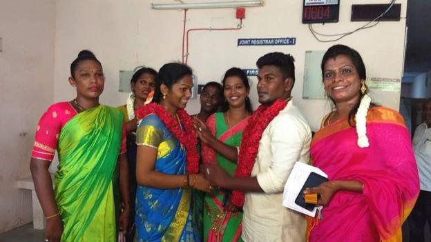 அருண்குமார்- ஸ்ரீஜா தம்பதியினர்