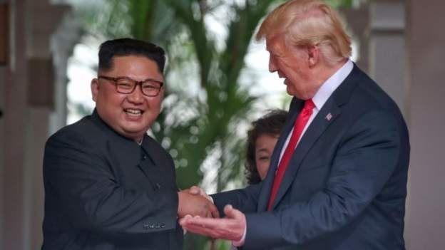 طیف هایی از محافظه کاران، اصولگرایان و منتقدان دولت ایران تا پیش از این، کره شمالی را الگویی موفق از مقاومت در برابر آمریکا می خوانند