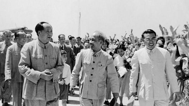 Mao Trạch Đông và Hồ Chí Minh ở Bắc Kinh năm 1955