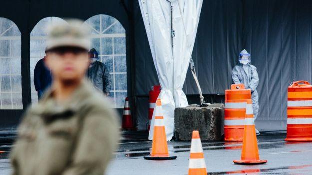 Unidade improvisada para testes do coronavírus em Nova Rochelle, no Estado de Nova York, em 13 de março de 2020