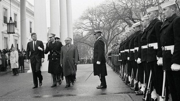 Kennedy convidou Betancourt a visitar os EUA em 1963