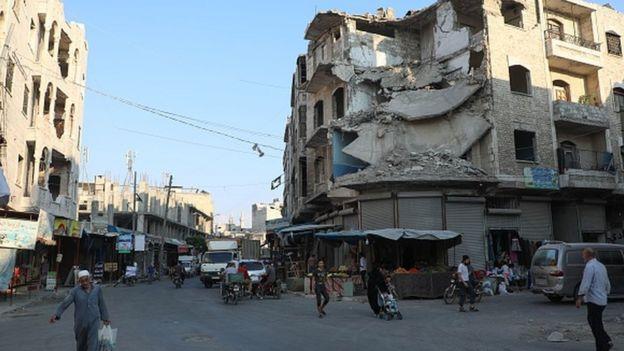 Suriye ordusunun İdlib'e yönelik bombardımanı sürüyor