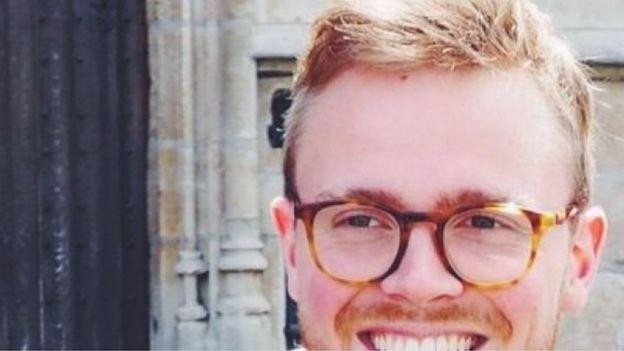 Remy Bonnaffe, em sua foto de perfil do twitter