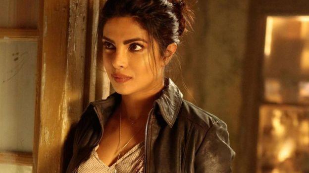 الممثلة الهندية بريانكا شوبرا
