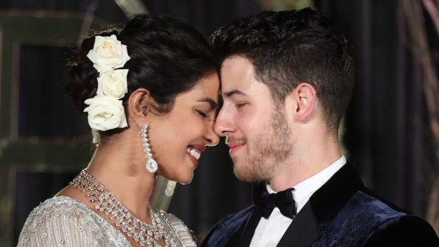 Bollywood actress Priyanka Chopra (L) and US musician Nick Jonas