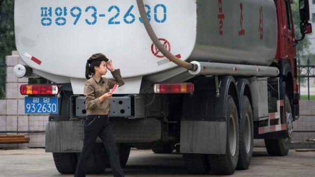 Puesto de gasolina en Pyongyang