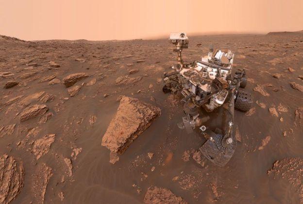 พาหนะสำรวจ Mars Curiosity Rover ตระเวนหาร่องรอยของน้ำและสิ่งมีชีวิตบนดาวอังคาร
