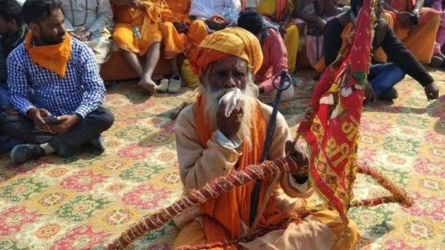 அயோத்தி விவகாரம்: மத்தியஸ்தர்களை அமைக்க உச்சநீதிமன்றம் உத்தரவு