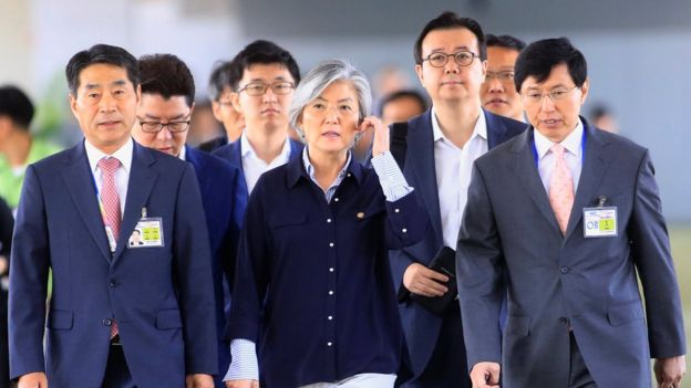 Ngoại trưởng Nam Hàn Kang Kyung-wha nói bà sẵn sàng đàm phán với người đồng nhiệm từ Bình Nhưỡng, nếu cơ hội gặp gỡ