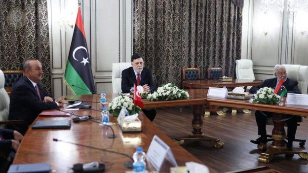 وقعت حكومة السراج المعترف بها دوليا عدة اتفاقيات مع تركيا