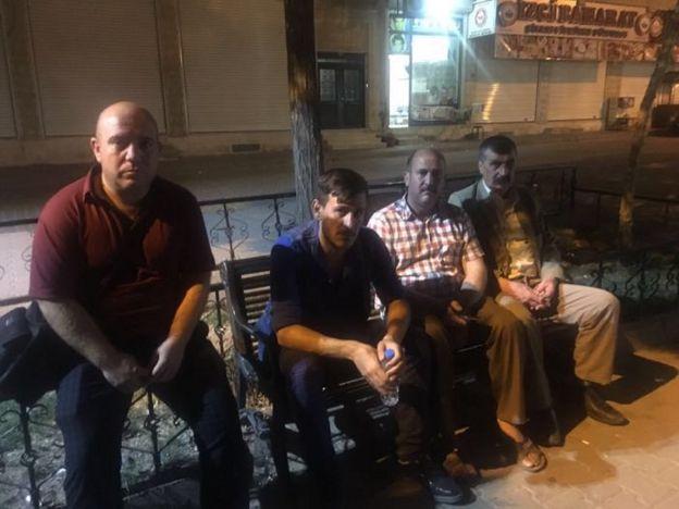 Parkta kalan ve Midyat Kampı'ndan atılan Ezidiler olduğu iddia edilen 4 kişi