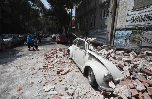 Numerosas edificaciones resultaron dañadas en Ciudad de México.