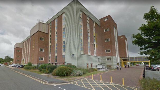300 jobs set to go in Wrexham as Refinitiv closes - BBC News