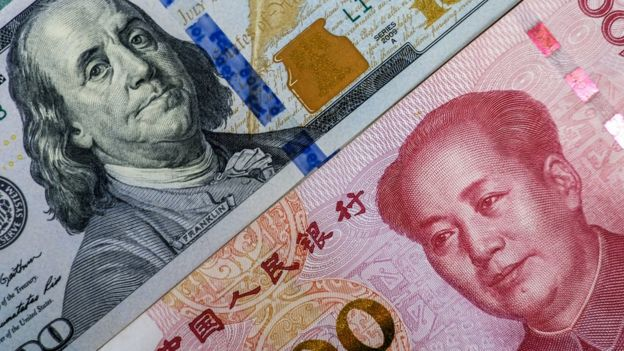 Billetes de EE. UU. y China