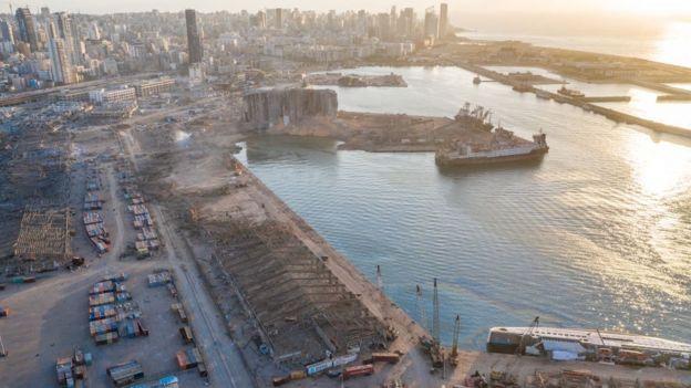 Imagen del puerto de Beirut tras la explosión.