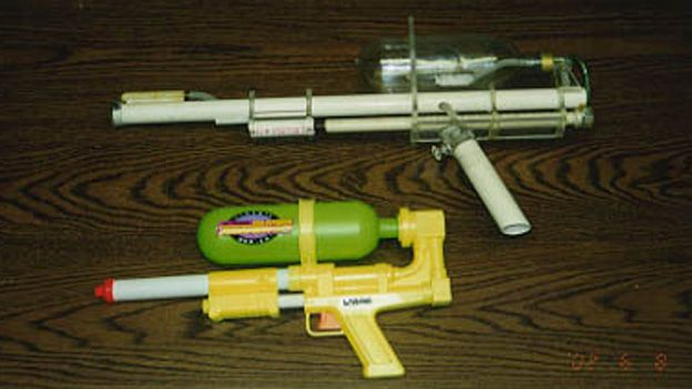 A prototype and early model Super Soaker