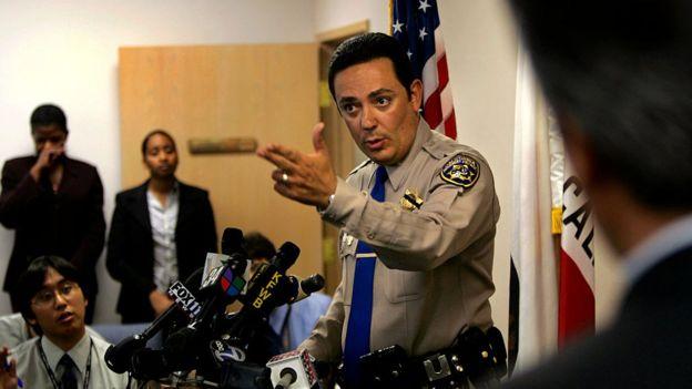 Art Acevedo cuando era patrullero en Los Ángeles, California