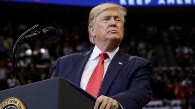 """Ông Trump cho biết ông đã ký luật """"vì tôn trọng Chủ tịch Tập [Cận Bình], Trung Quốc và nhân dân Hong Kong""""."""