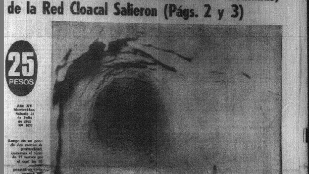 """Una imagen de diario del túnel por el que escaparon las 38 """"estrellas""""."""