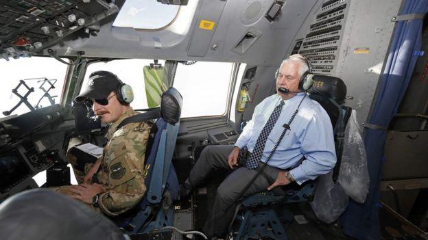 Рекс Тиллерсон по пути на афганскую базу Баграм