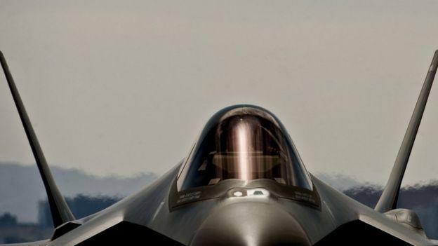 從洛克希德•馬丁的F-35 聯合攻擊戰鬥機到導彈,激光瞄凖設備的關鍵部件都需要稀土材料