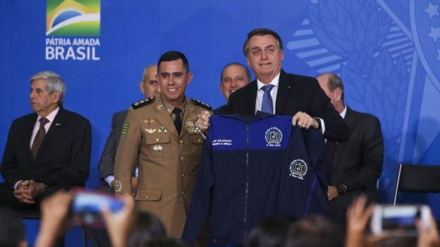 Bolsonaro durante lançamento de programa de escolas cívico-militares
