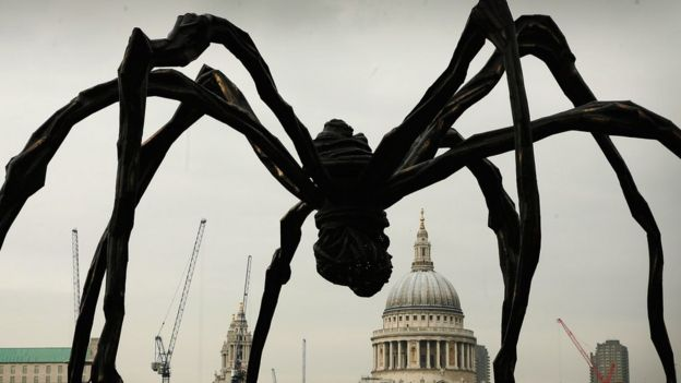 Louise Bourgeois Spider sculpture em Londres