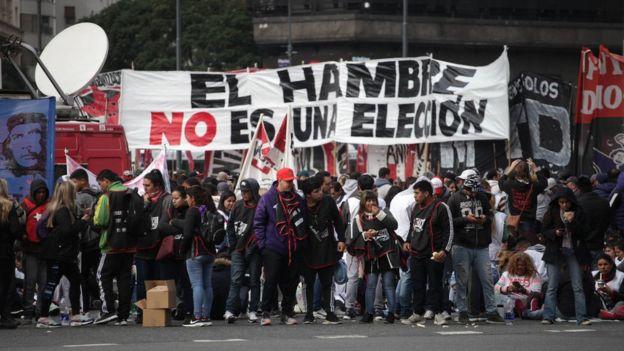 """Protesta en Argentina: """"El hambre no es una elección""""."""