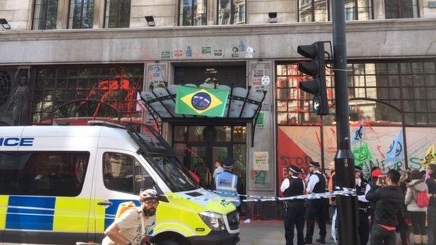 emabixada brasileira em Londres