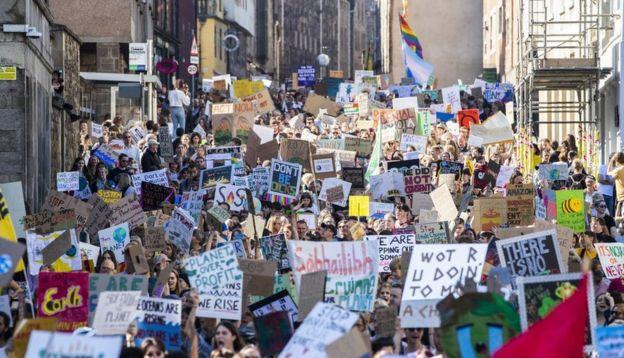 Акция протеста в Эдинбурге
