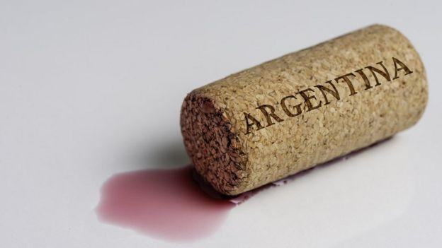 Rolha de vinho com inscrição 'Argentina'