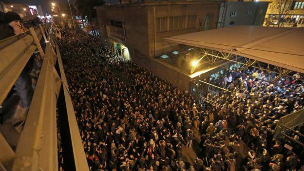 متظاهرون في طهران