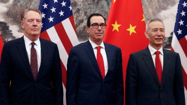 قال البيت الأبيض يقول إنه تلقى إشارة من الصين إلى أن بكين تريد التوصل إلى اتفاق تجاري