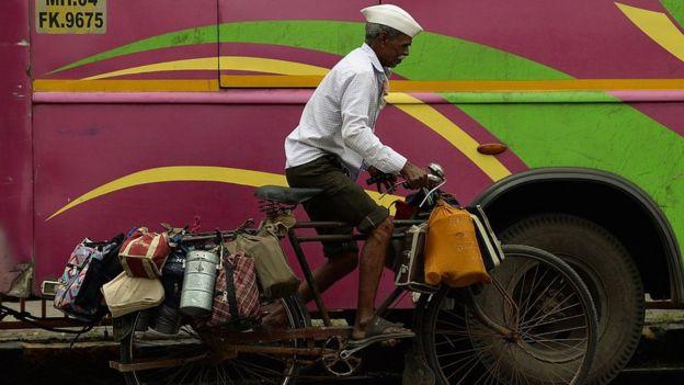 Un dabbawala