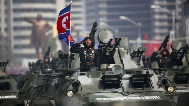 Soldados em Pyongyang