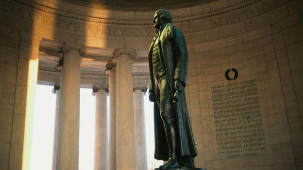 Estatua de Thomas Jefferson en Washington D.F.