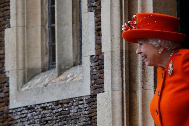 Королева Елизавета после рожедственской службы
