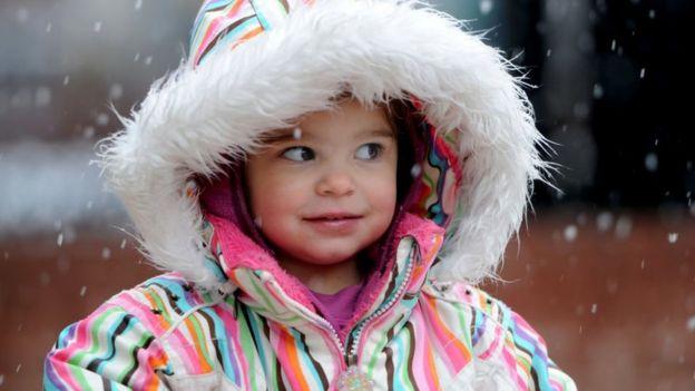 Mila Makovec a los 2 años.