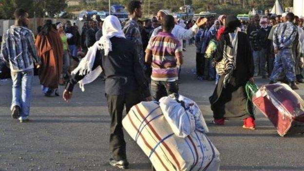 شهد عام 2013 عودة أعداد كبيرة من العمالة الإثيوبية المخالفة من السعودية. صورة أرشيفية