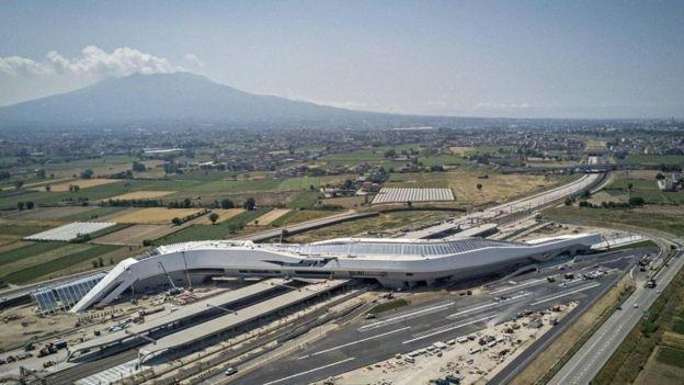 Napoli-Afragola tren istasyonu