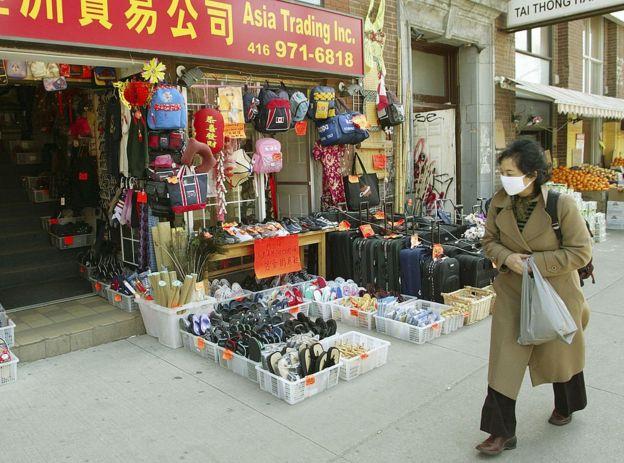 Вспышка атипичной пневмонии в Канаде стигматизировала местные азиатские общины