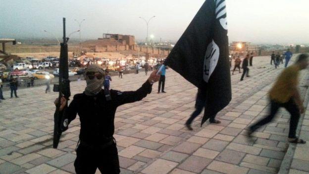 أحد عناصر تنظيم الدولة