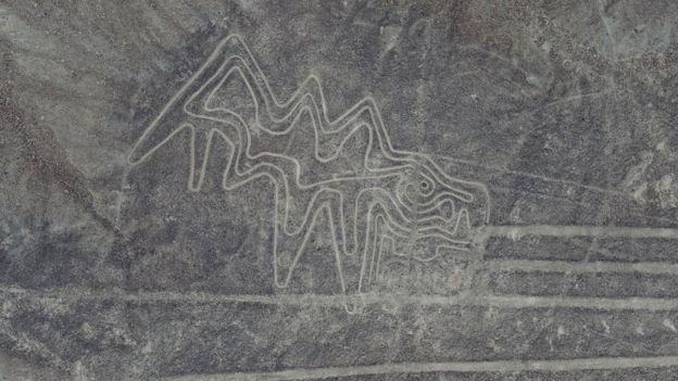 Imagem zoomorfa recentemente restaurada em Palpa, no Peru