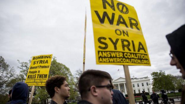 Protestas contra el bombardeo en Siria.