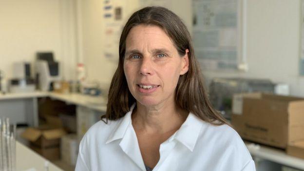 Dr Karen Helwig