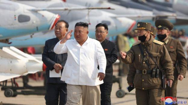12 апреля государственные СМИ Северной Кореи сообщили, что Ким Чен Ын проинспектировал систему ПВО в западной части страны