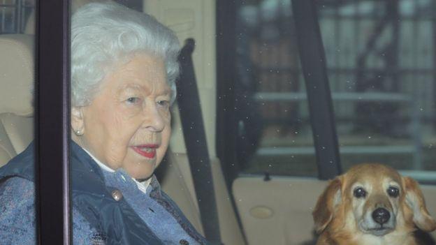 Rainha viajou no dia 19 de março